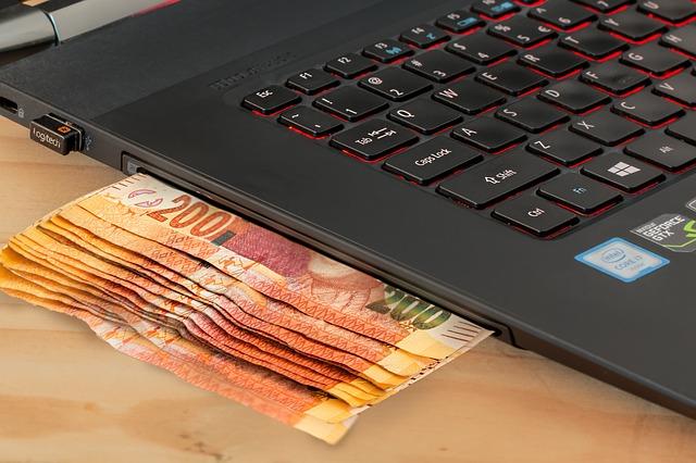 výdělek pomocí notebooku